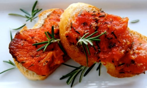 Tomato-Rosemary Confit Croutades
