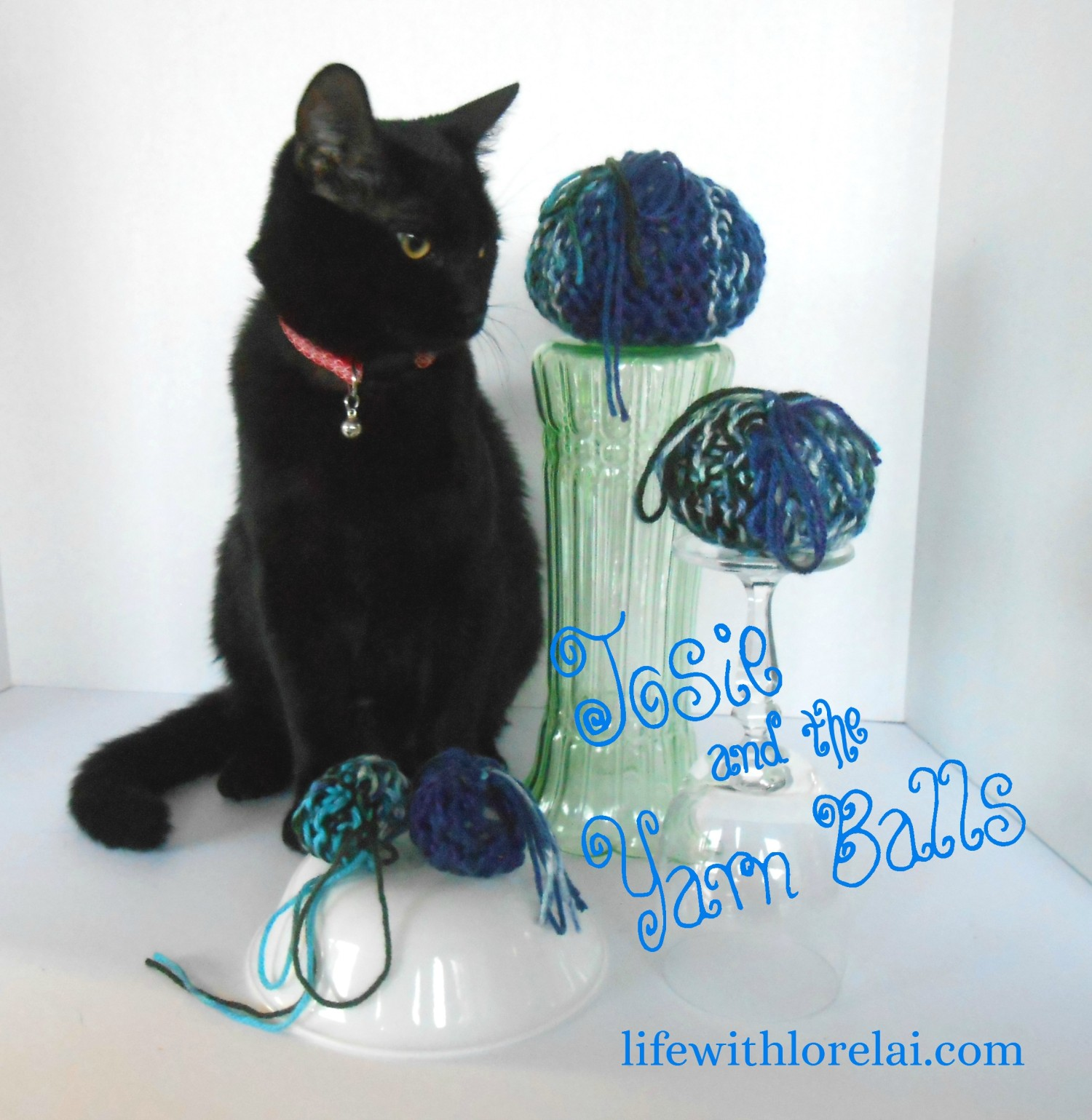 Learn how to loom knit a yarn ball cat toy. Watch the video tutorial.