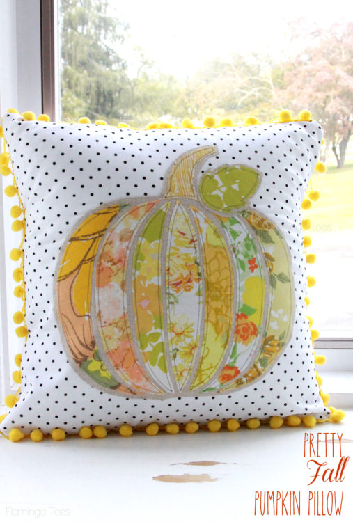 Vintage Pumpkin Fall Pillow - Flamingo Toes - HMLP 103 - Feature