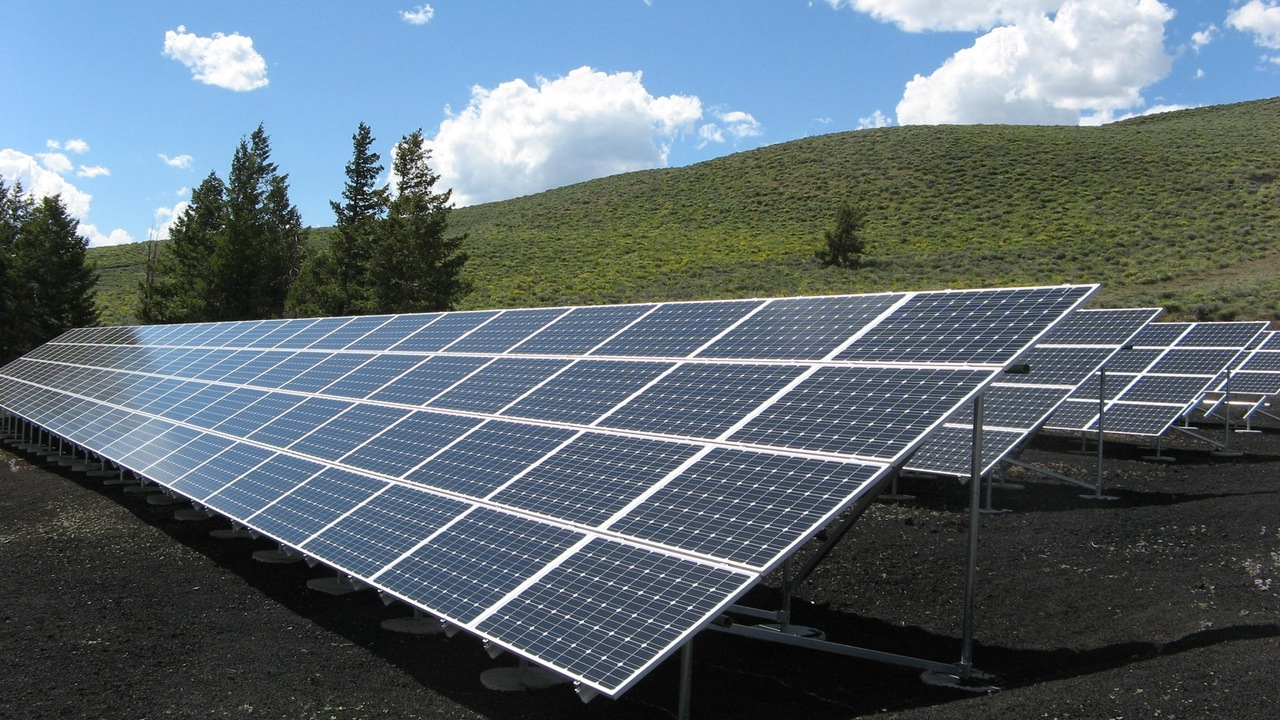 Interested in switching to renewable energy? Learn more about the different types, and if they will work for you. Find out how to make the switch, get tips.