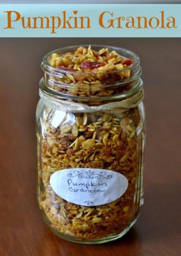 Mason Jar Pumpkin Granola | Life With Lorelai - lifewithloelai.com