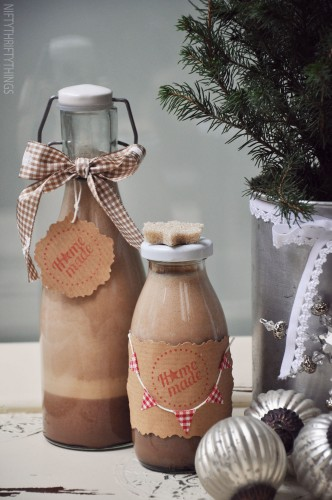 Homemade Bailey's Irish Cream - 13 Homemade Gift Ideas - Food