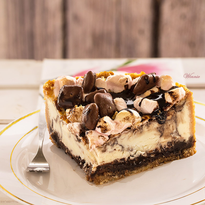 S'Mores Cheesecake - HMLP 44 Feature
