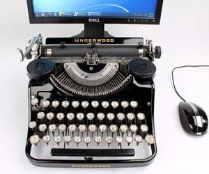 Old-Fashioned USB Typewriter