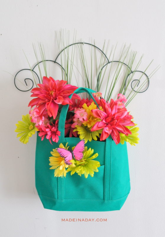 Spring Floral Tote Door Hanger - Made in a Day - HMLP 86 - Feature