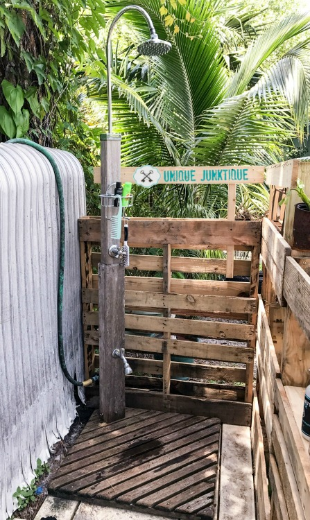 Pallet Shower For The Garden - Unique Junktique - HMLP 143 Feature