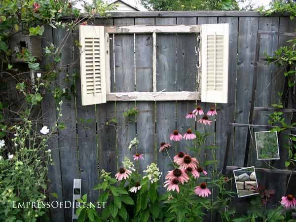 Creative Inspiration To Give Your Yard A Personal Touch With DIY Backyard Fence  Decor. You