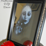 Haunted Mirror – An Eerie Halloween DIY Decor