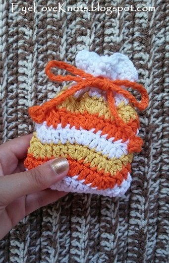 Candy Corn Inspired Crochet Ripple Bag DIY - Eye Love Knots - HMLP 158 Feature