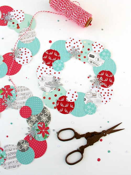Holiday Paper Wreaths - White House Crafts - HMLP 163 Feature