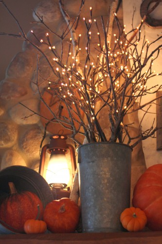 Get inspired this autumn with fall decor to make your home cozy! Plus, link up at Home Matters with food, diy, crafts. #Autumn #FallDecor #HomeMattersParty